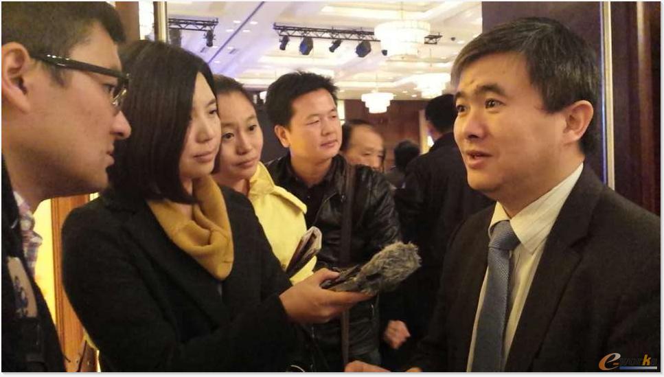 e-works总编黄培博士接受媒体采访