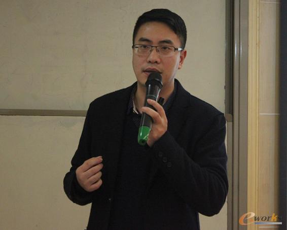武汉市企业信息化推进中心主任胡颲