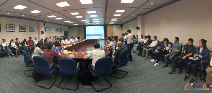 """""""中国制造2025+互联网""""智能制造万里行----走进武汉制造业高峰对话"""