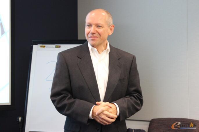 Stratus高级产品经理Robert Otto
