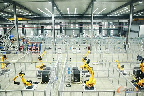 项目一期机器人及成套设备产能达9000台/套,完全建成后预计产能将提升8倍,交货周期缩短6成