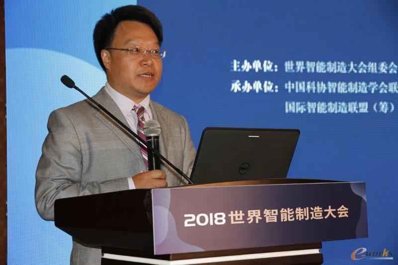 论坛主持人e-works数字化企业网总经理 胥军博士