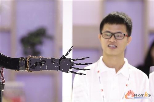 """华为的AI野心:打造""""全栈""""解决方案"""