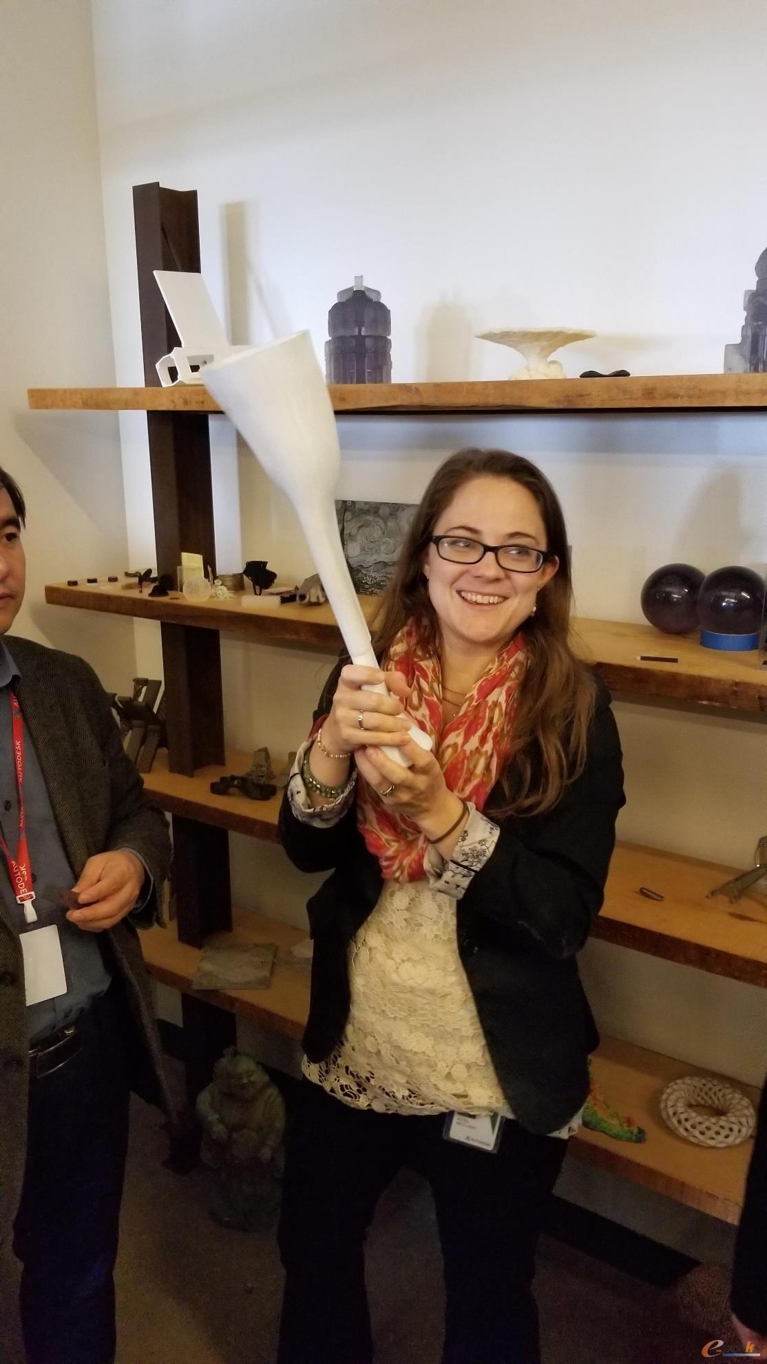 工程师介绍3d打印的假肢