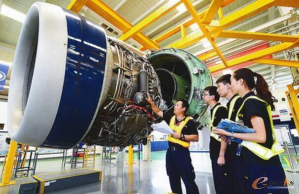 场景应用二:航空发动机维修指导