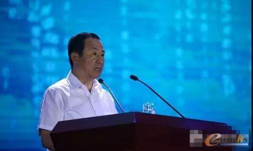 湖南省委副书记、省长许达哲为大会宣布开幕