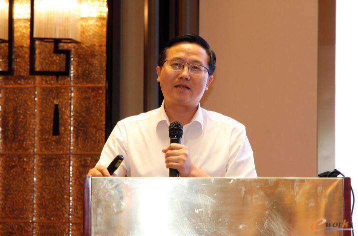温州庄吉服饰有限公司副总经理肖风华