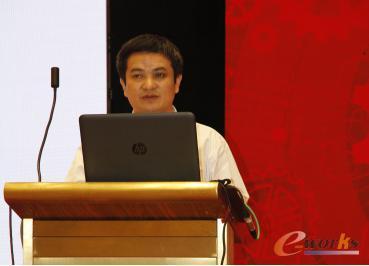 湖北省科学技术协会副主席刘松林