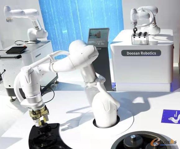 斗山机器人