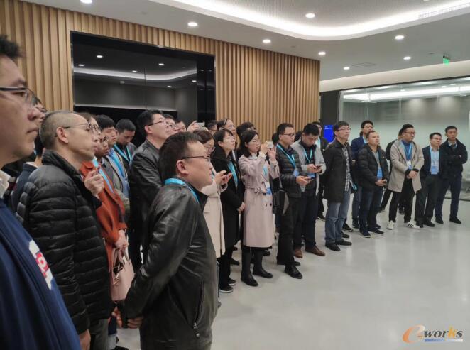 学员参观IBM创新中心
