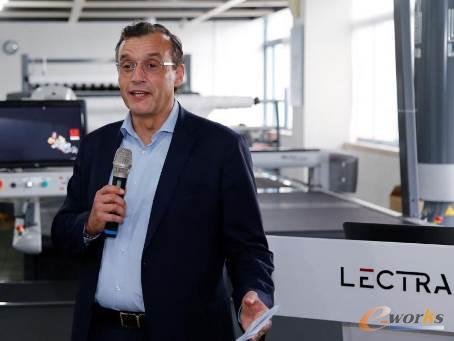 Lectra(力克)亚太区总裁Javier Garcia发表讲话