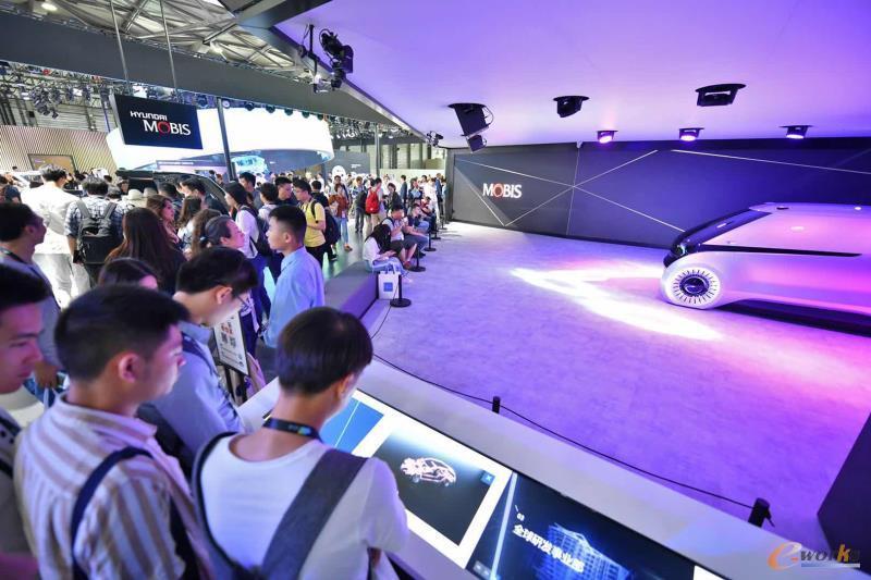 现代摩比斯亚洲消费电子展展台
