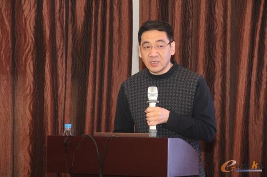 北京航空航天大学自动化学院教授、博士生导师张霖