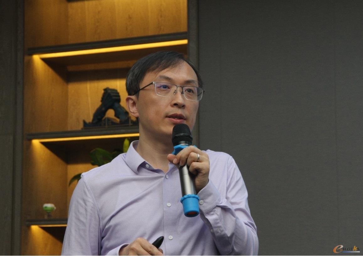西门子工业软件汽车与交通运输行业资深行业顾问闫太生