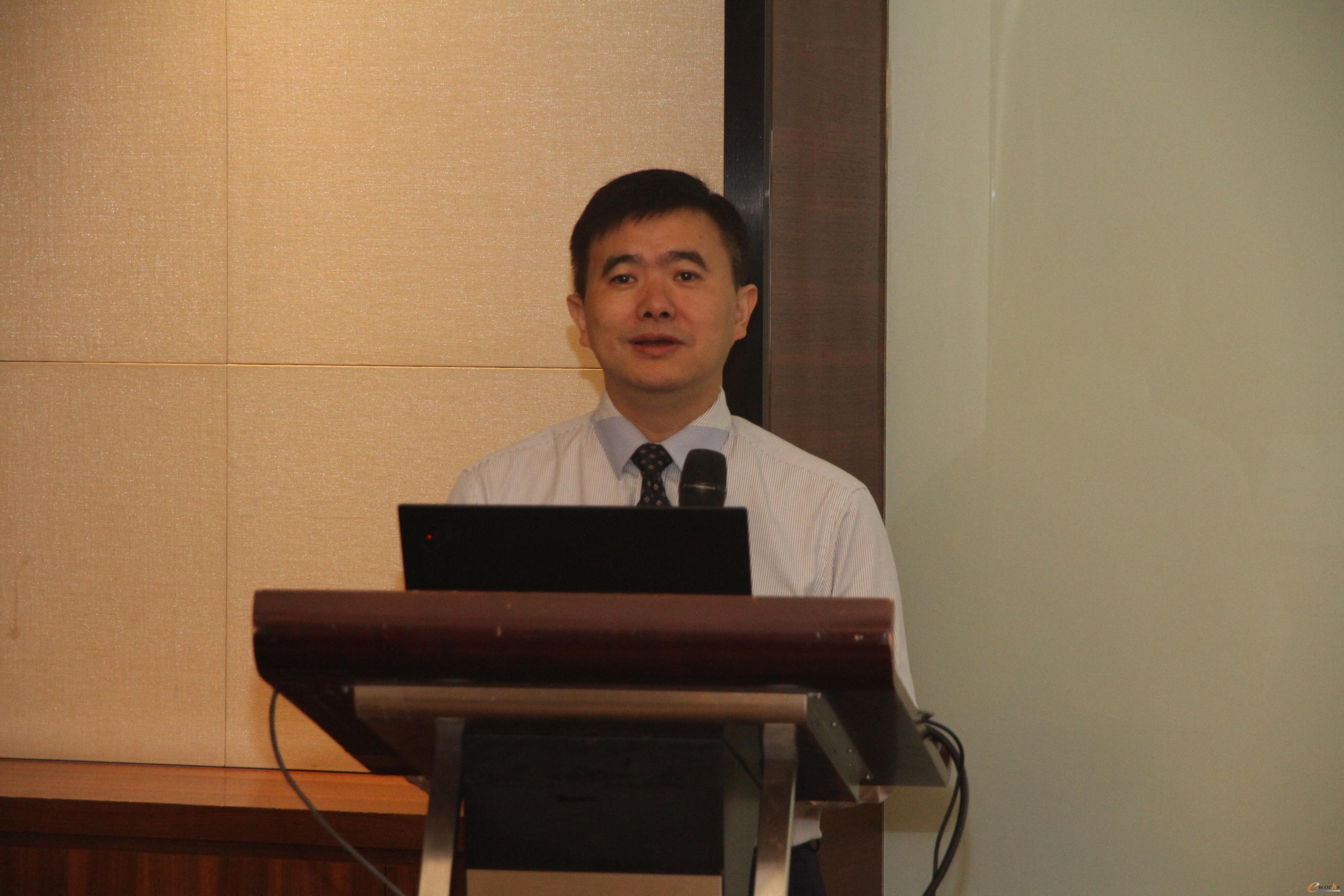 图6 e-works CEO黄培博士