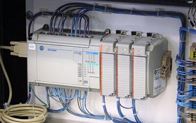PLC在纸张复合机控制系统中的应用