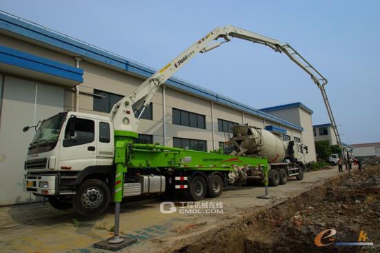 图1 臂架式混凝土泵车