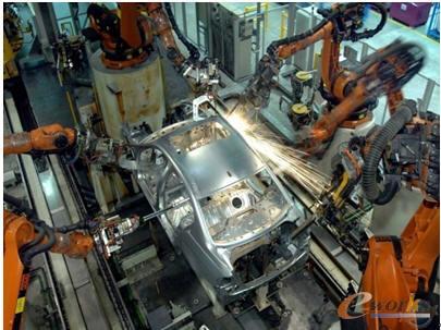宝马汽车生产线(图片来自网络)