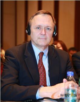 图1 ANSYS全球CEO Jim Cashman