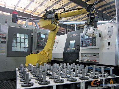 论数控机床与机器人的集成应用