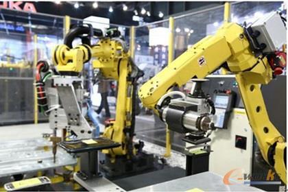 智能加工中心与生产线