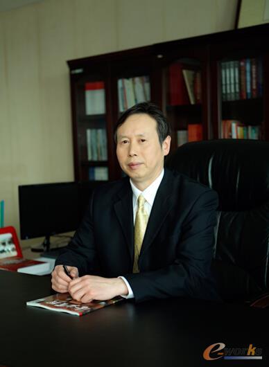 卫华集团有限公司总裁俞有飞先生