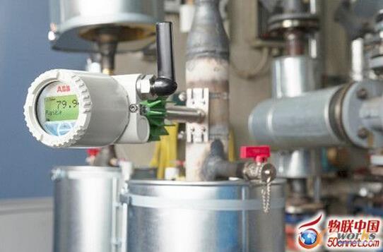 传感器无处不在–由收集的能量连续供电的低功率无线传感器节点,例如这个来自ABB可收集热量之无线温度传感器,可以放置在最佳位置,以获得更多工业环境数据
