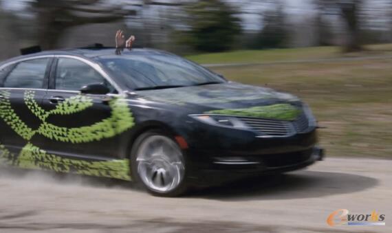 行驶中的NVIDIA自动驾驶汽车