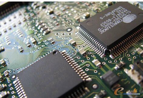 """中国存储器芯片市场风云迭起 谁将成为""""搅局者""""?"""