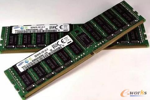 内存的基本技术结构也已经很久没有革命性的变化。目前最快的DDR4内存,仍旧只能充当暂存器。