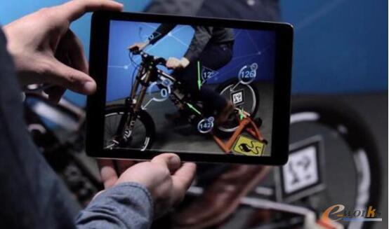 图:创成式设计融合IoT和VR(图片来源:PTC)