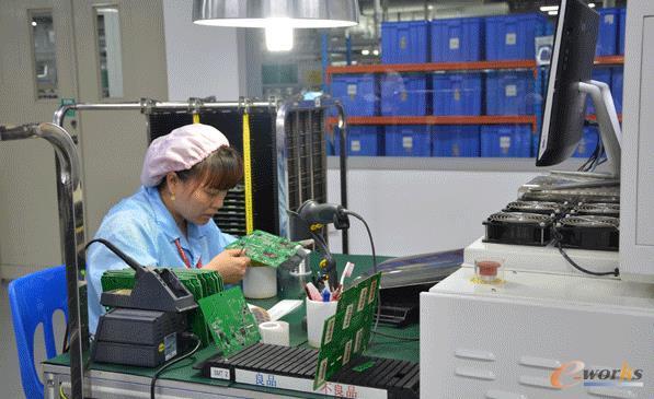 PCB板的人工检测