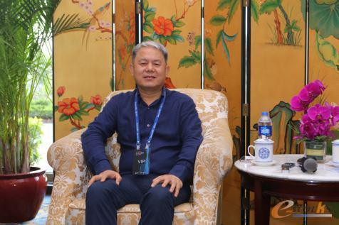 深圳华龙讯达信息技术股份有限公司总经理 龙小昂