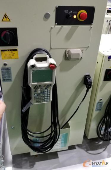 机器人控制柜