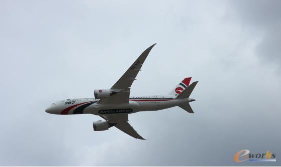 波音787-8