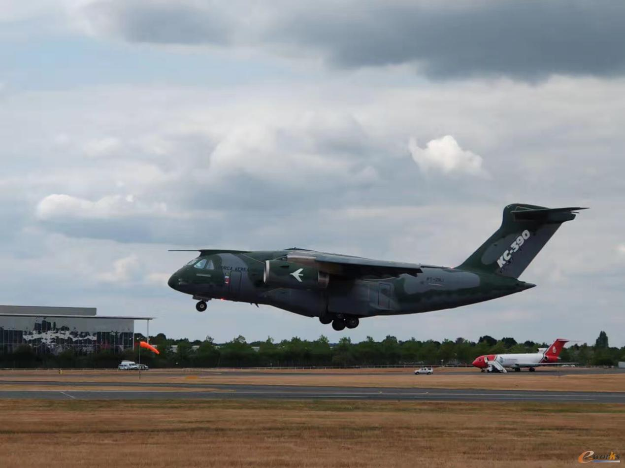 巴西KC-390运输机