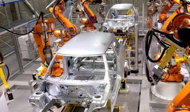 车身焊接车间的ABB机器人