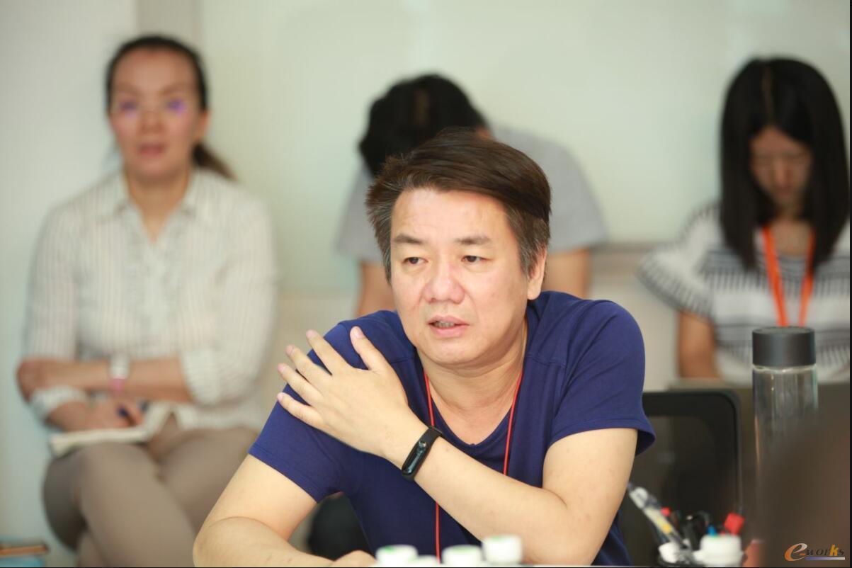 小米公司联合创始人王川会上致辞