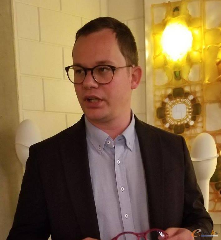 设计工程服务经理Dries Vandecruys先生