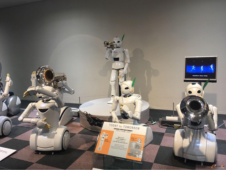 丰田伙伴机器人可演奏音乐