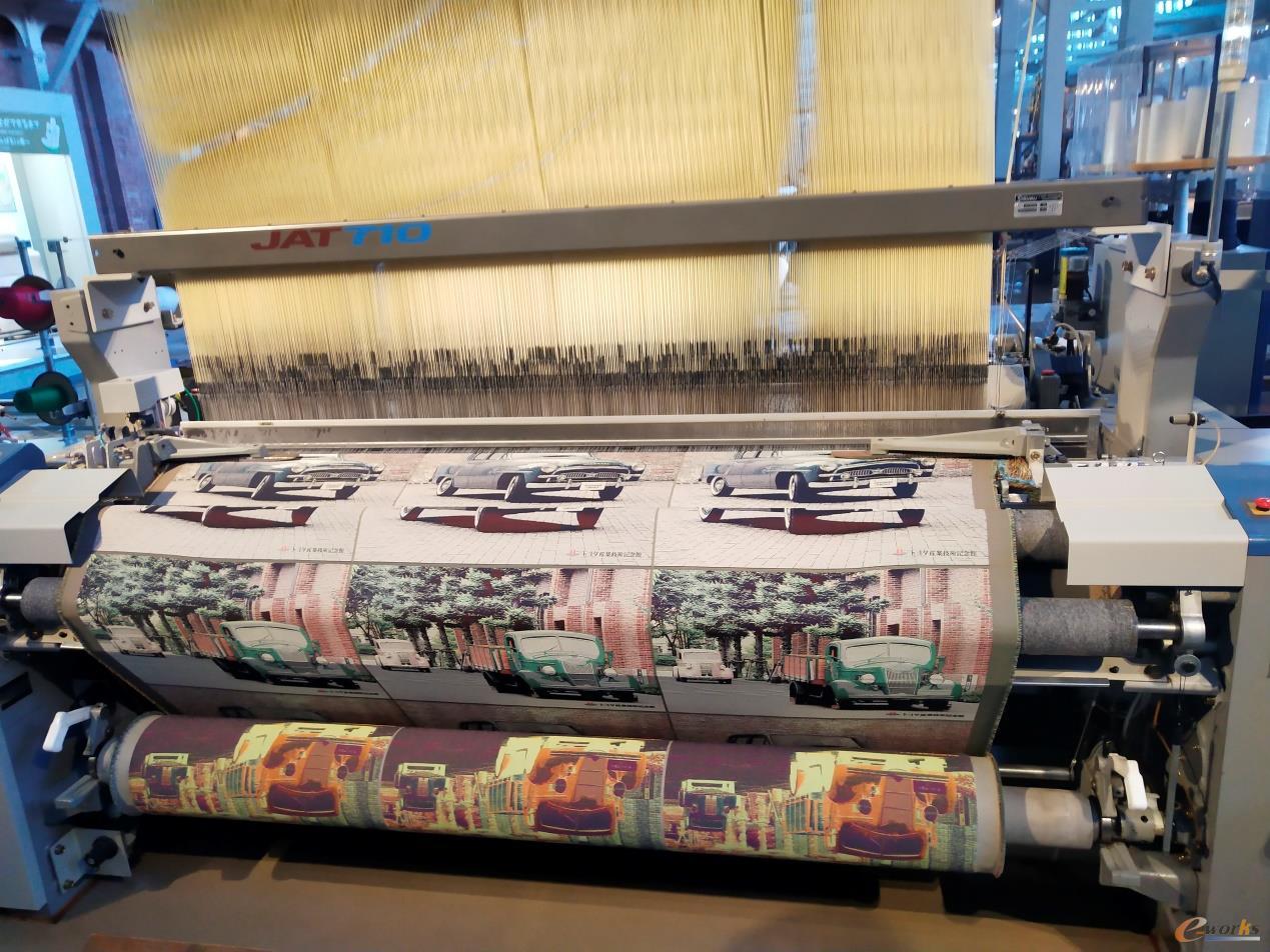 现代的织布机