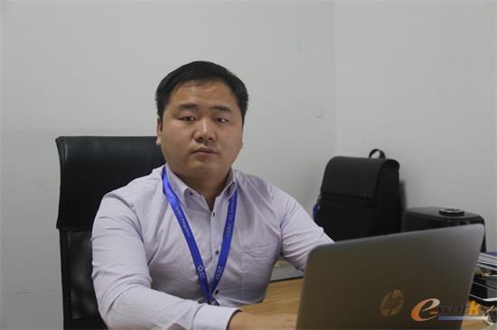 句容协鑫集成科技有限公司 信息部经理 罗欢欢